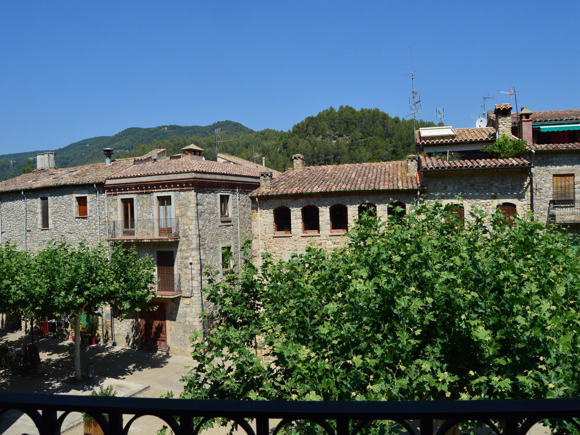 Townhous -                                       Sant Llorenç De La Muga -                                       8 bedrooms -                                       14 persons
