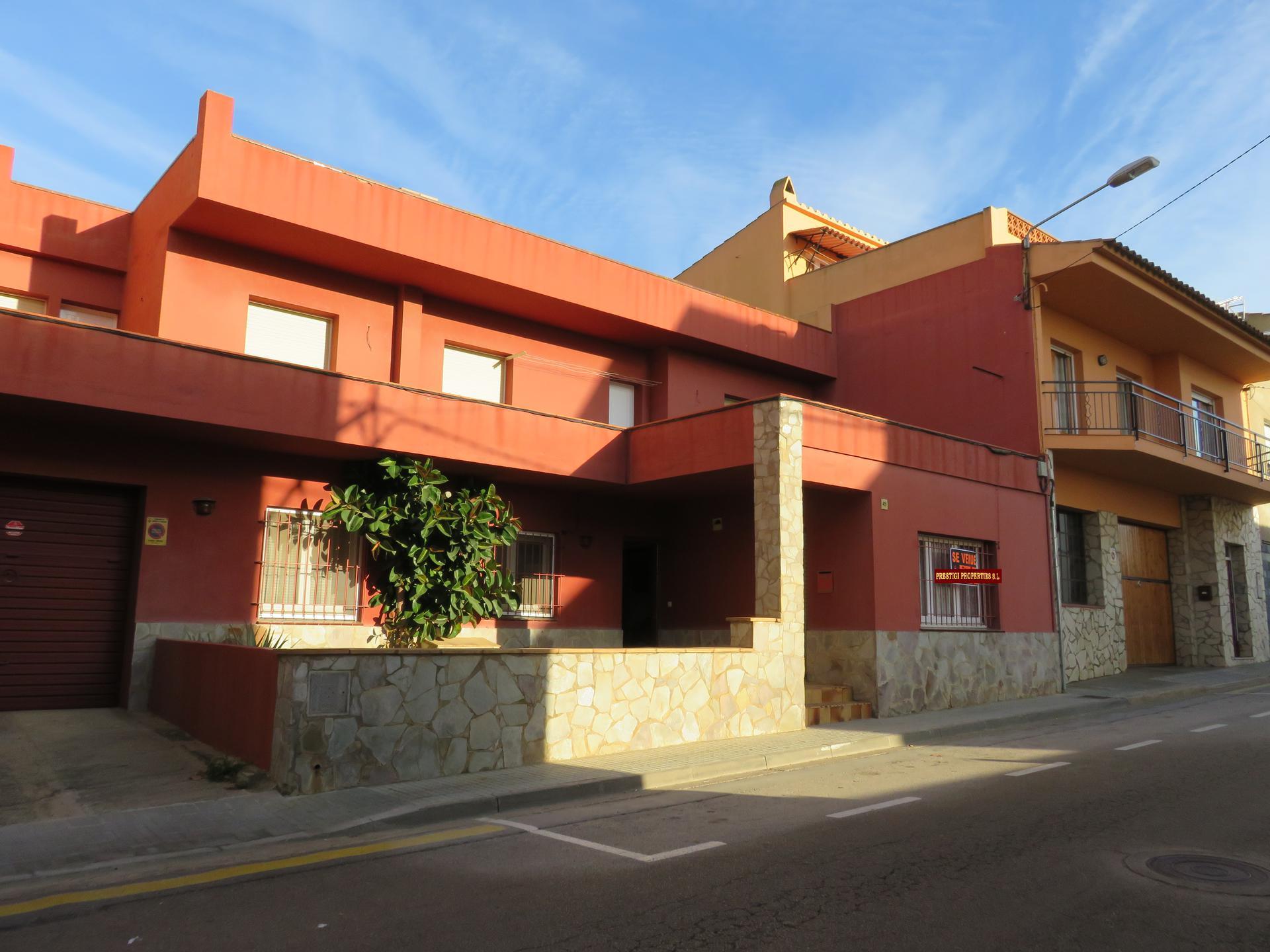 House -                               Torroella De Montgrí -                               6 bedrooms -                               0 persons