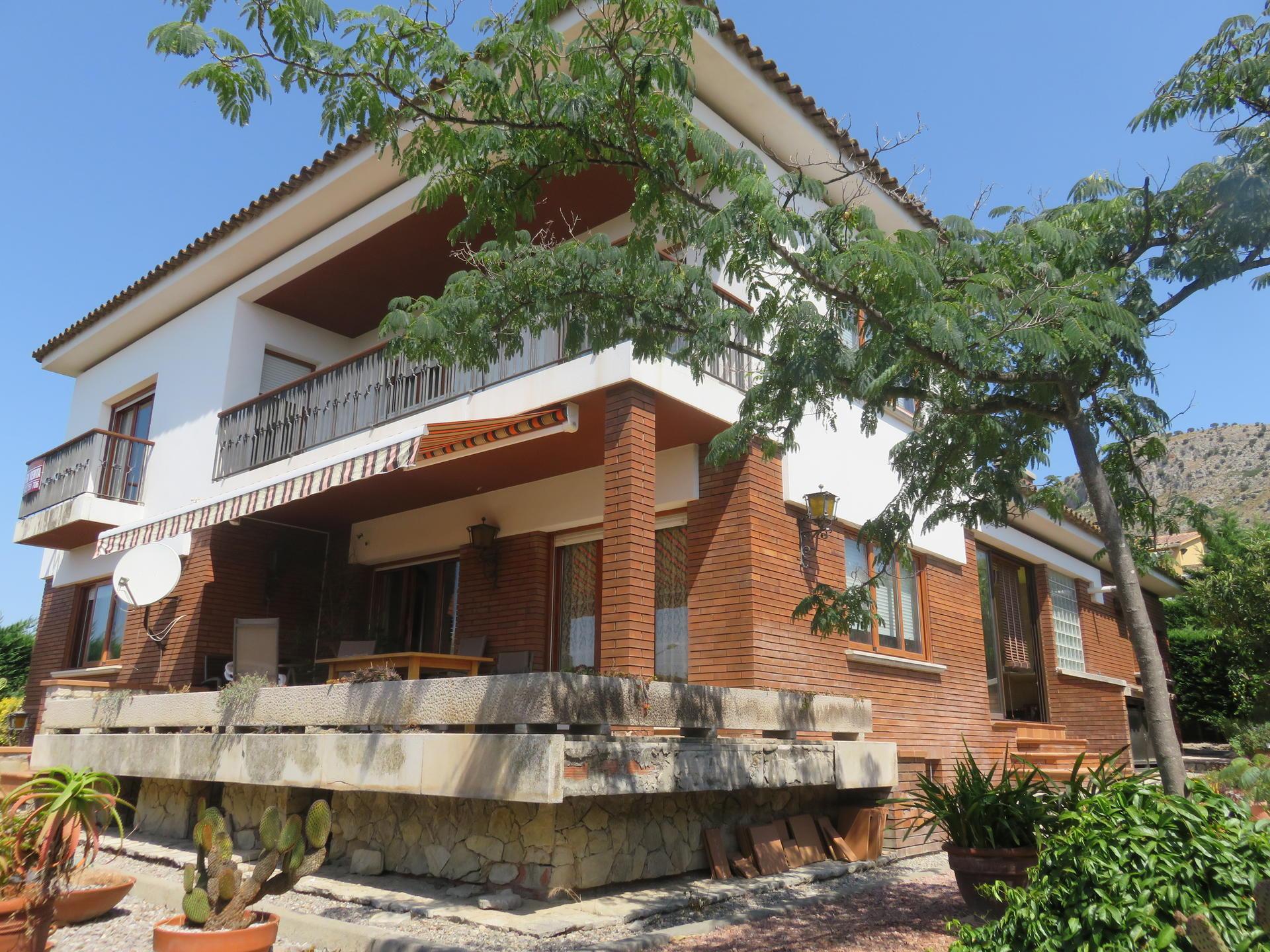 House -                                       Torroella De Montgrí -                                       5 bedrooms -                                       0 persons