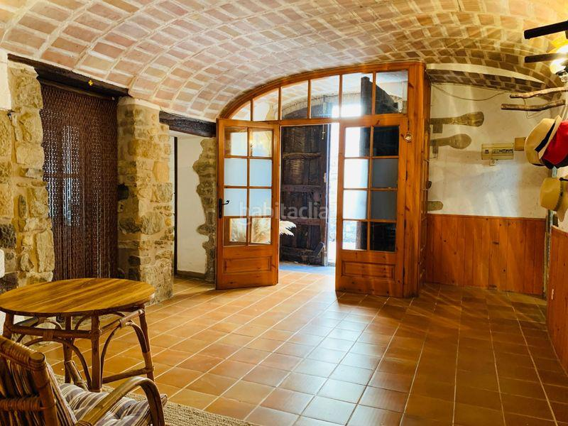 House -                                       Ullastret -                                       5 bedrooms -                                       0 persons